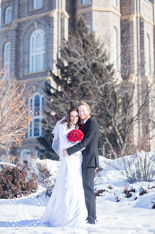 utah-logan-temple-wedding-photo_0006