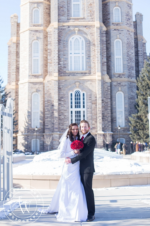 utah-logan-temple-wedding-photo_0010